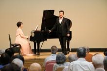 下村雅人先生の歌声が     会場に響き渡る。