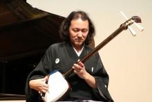 笹川皇人先生の津軽三味線が   会場に鳴り響く。