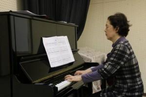 歌唱指導の山田先生