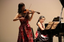 ヴァイオリンとピアノの演奏