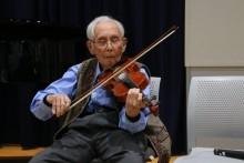 小島亮一さんのヴァイオリン演奏