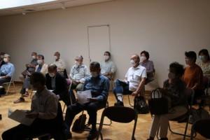 講演受講の様子 椅子と椅子の間隔を保持